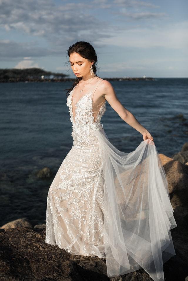 choisir sa robe de mariée en fonction de la morphologie